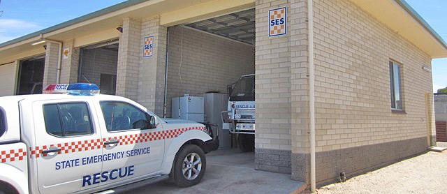 SA State Emergency Service Kimba Unit building with SES rescue vehicles inside and in front of it