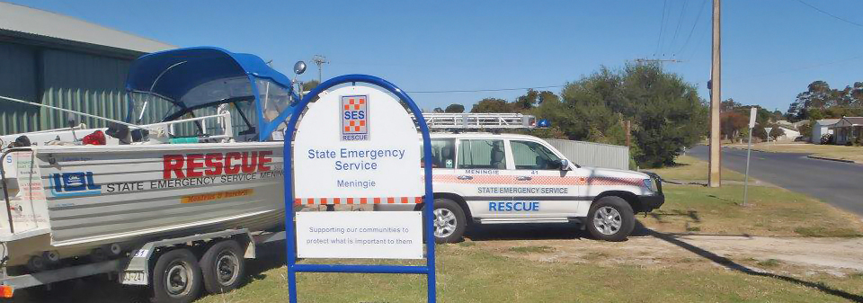 SA State Emergency Service rescue vehicle and boat in front of the Meningie Unit building